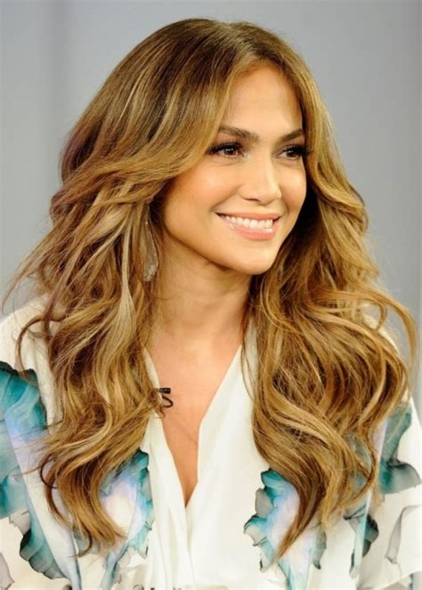 medium hairstyles with lots of layers recreate this haircut by asking your stylist to add lots