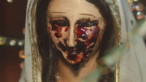imagenes de ojos que lloran sangre aseguran que una virgen llora sangre univision