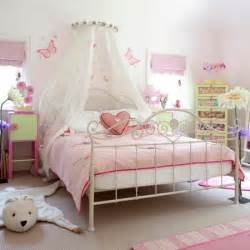 Bedrooms For Girls by Pink Girls Bedroom Country Farm Lodge House
