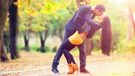 wallpaper attitude couple modern hot and romantic couple kissing new hd