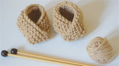 how to knit booties learn how to knit baby booties shoes studio knit