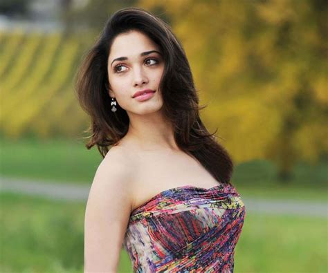 sexy hot tamanna bhatia bikni images wallpapers photo gallery