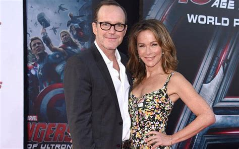 clark gregg friends american actress jennifer grey married clark gregg and