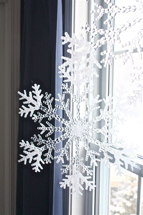 Window Decorations For by 12 Cutest And Easiest Diy Window D 233 Corations Shelterness
