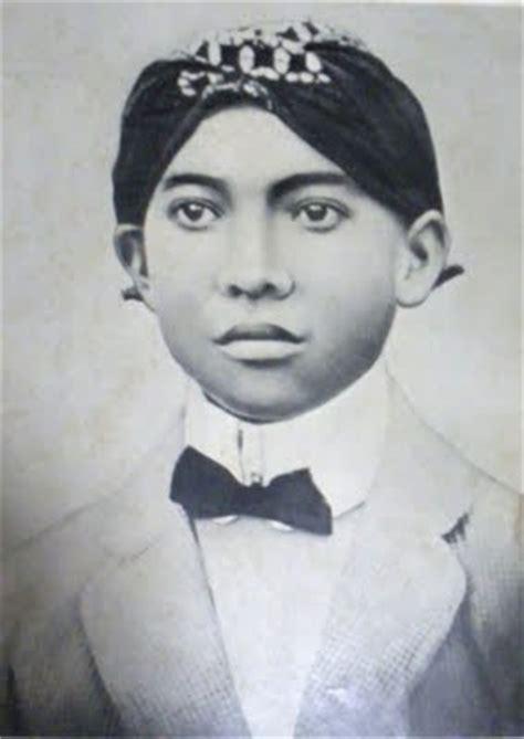 biodata ir soekarno dan foto foto masa kecil dan remaja presiden ri sejak presiden