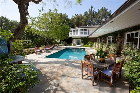 elizabeth s bel air home found its buyer extravaganzi