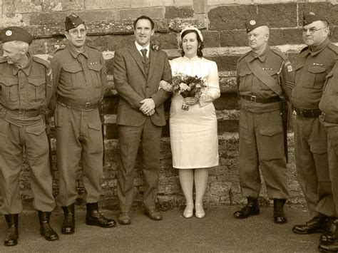 Wedding Invitations 1940 S Theme by Has 1940s Themed Wedding And Takes Fabulous