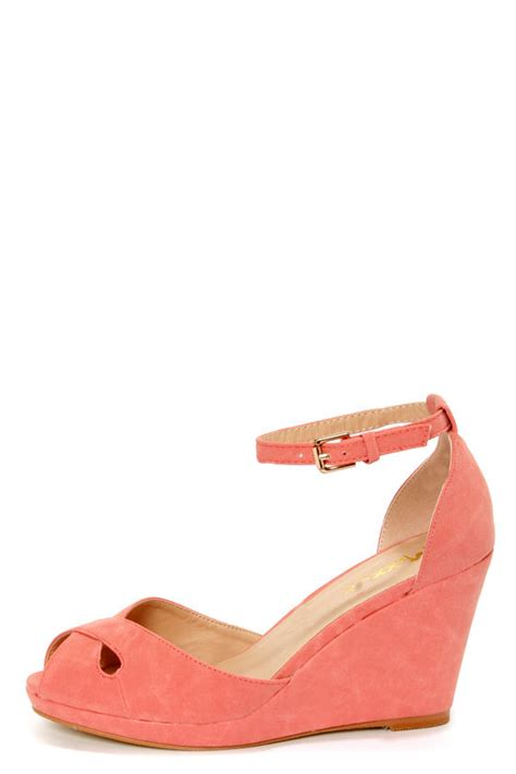coral wedge sandals mixx shuz donna coral peep toe wedge sandals 42 00