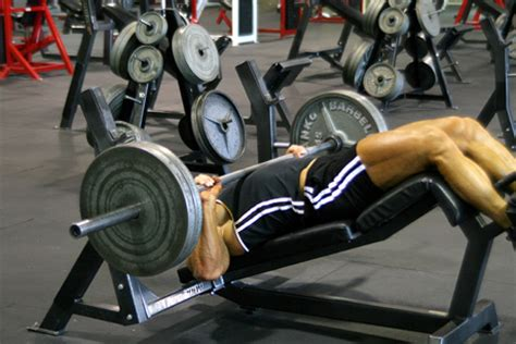 bench press lower chest how to target the upper and lower chest pectorals