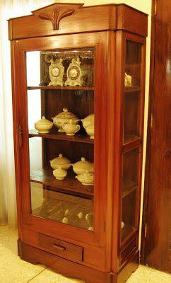 Lemari Buffet Besar 2 Sisi Depan Belakang toko barang antik maret 2011