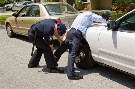 Can A Officer Search Your Car Without A Warrant 4 Things To Say To Cops That Might Save You From A Possession Charge