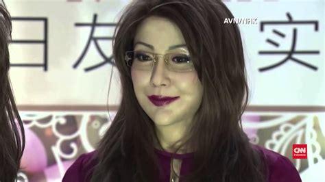 film robot yang menjadi manusia china demonstrasikan robot yang mirip manusia youtube