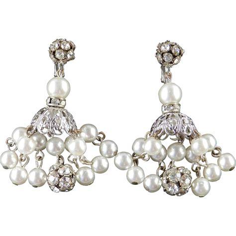 Dangle Chandelier Earrings Dalsheim Rhinestone Faux Pearl Dangle Chandelier Earrings From Codysvintagejewelry On Ruby