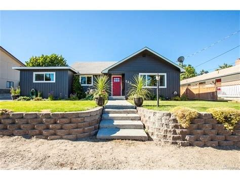 houses for sale wenatchee east wenatchee wa homes for sale 105 real estate listing from movoto