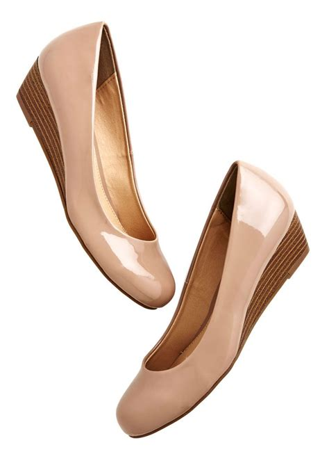 comfortable wedges for work 1000 ideas about cute wedges shoes on pinterest cute