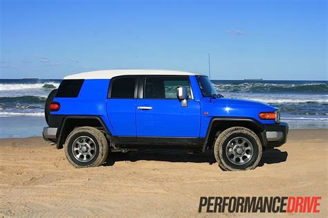 2012 Toyota Fj Cruiser 2012 Toyota Fj Cruiser Review Performancedrive