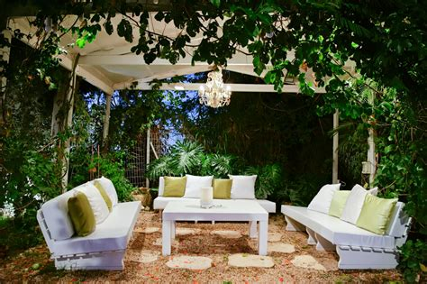 Patio Areas In Gardens 29 Serene Garden Patio Ideas And Designs Picture Gallery