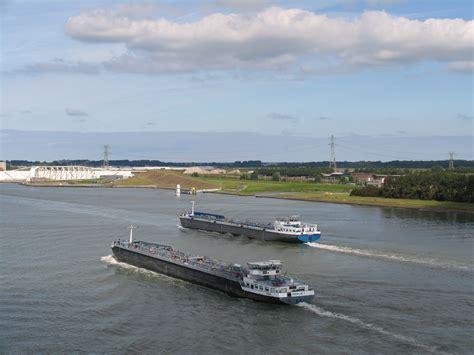 vereniging binnenvaart binnenvaart ageert tegen windturbines europoort kringen