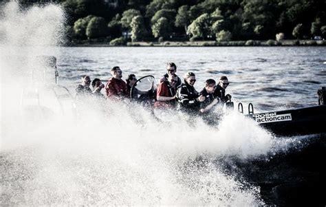 speedboot hamburg speedboot fahren in hamburg als geschenk mydays