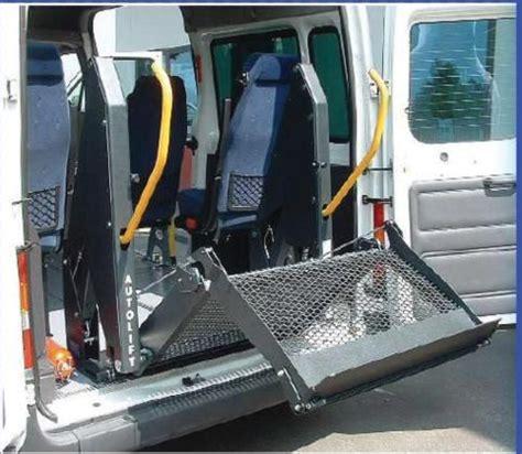 auto con pedana per disabili sollevatore a pedana bibraccio piattaforma pieghata