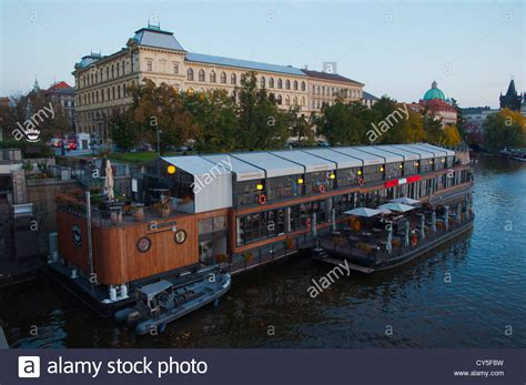floating boat restaurant news floating boat restaurant started in 2012 in front of old