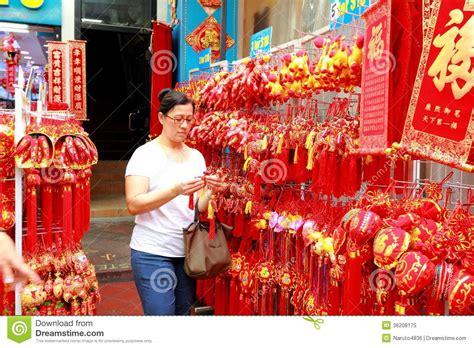 lunar new year singapore singapore chinatown lunar new year shoppin