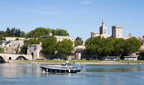 boating accident uk united kingdom woman dies in rhone boating accident in