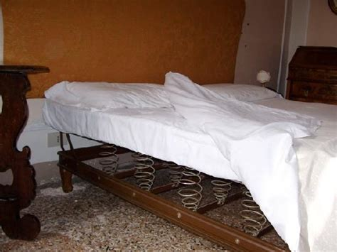 Uncomfortable Mattress hotel pensione seguso venice 2 hotels in venice