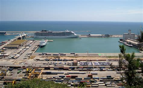 port of barcelona barcelona boasts a beautiful port which greets ships