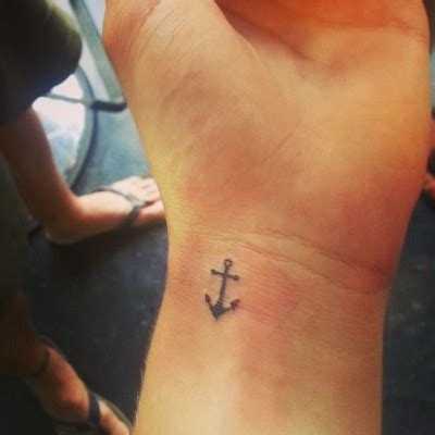 tiny anchor tattoo mini anchor best ideas designs