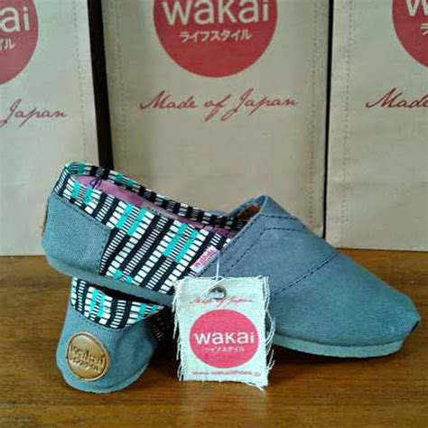 Sepatu Toms Wakai sepatu toms surabaya images