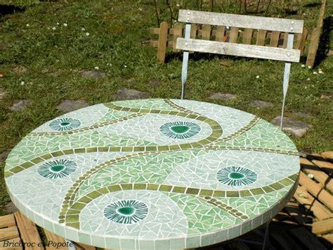 table de jardin en mosaique 2630 les 25 meilleures id 233 es concernant jardin mosa 239 que sur