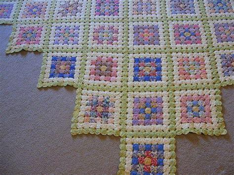 pattern for yo yo quilt pretty yo yo quilt yo yo s pinterest yo yo