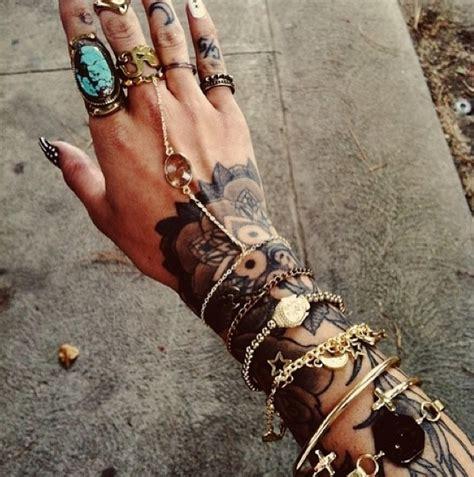 tattoo hand jewelry hand tattoo with great jewelry tattoos pinterest