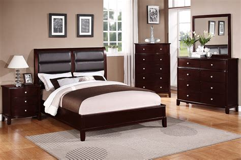 bedroom sets cherry wood advantages of cherry wood bedroom furniture over other