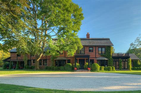 this steven gambrel designed home on ox pasture road lists