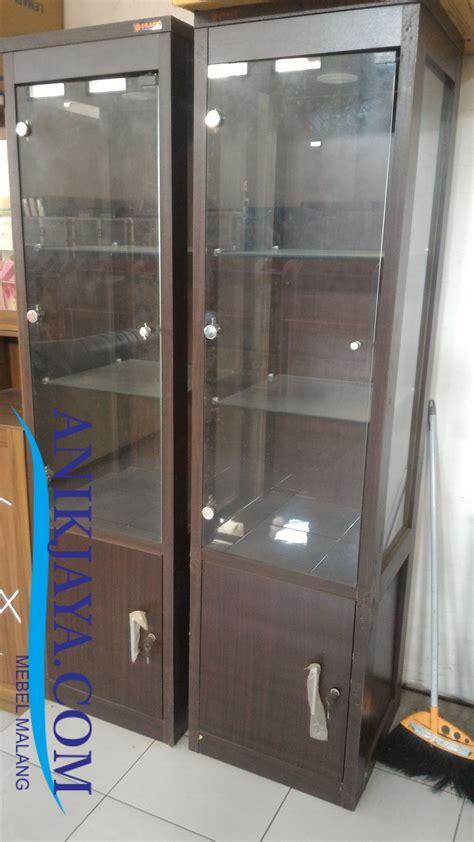 Lemari Kaca 3 Pintu lemari rak kaca pajangan 1 pintu mebel anik jaya malang