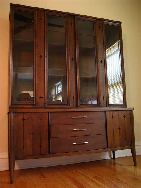 flatout design broyhill china cabinet