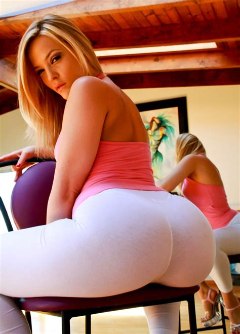 alexis texas black tights alexis texas in white yoga pants girls in yoga pants