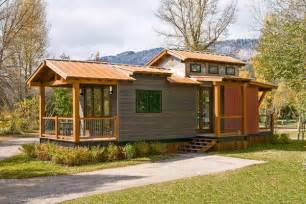 Tiny House Models Spacious And Modern Park Model Tiny House On A Trailer