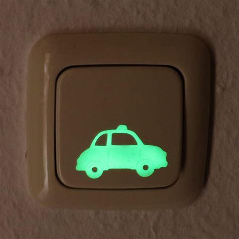 Leuchtende Folie Auto by Leuchtender Sticker Kleines Auto Leuchtet Im Dunklen
