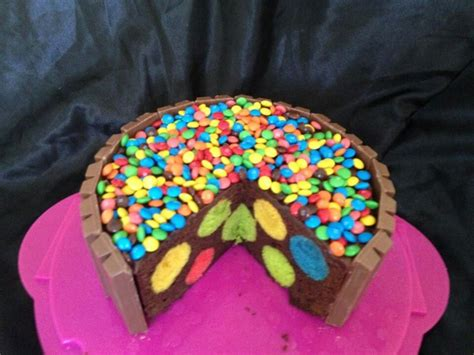 images  smartie cake  pinterest happy colors chocolate cakes    cake