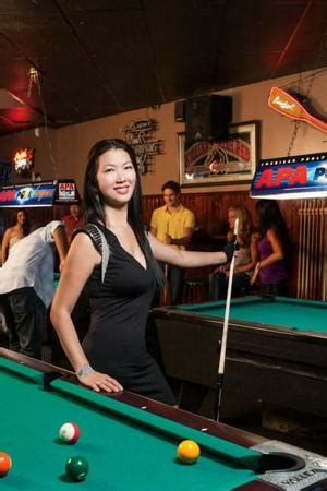 professional pool player black widow visits waco
