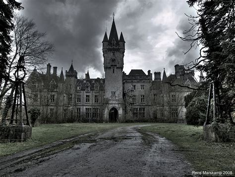 abandoned world a not so charming fairytale abandoned castles from all