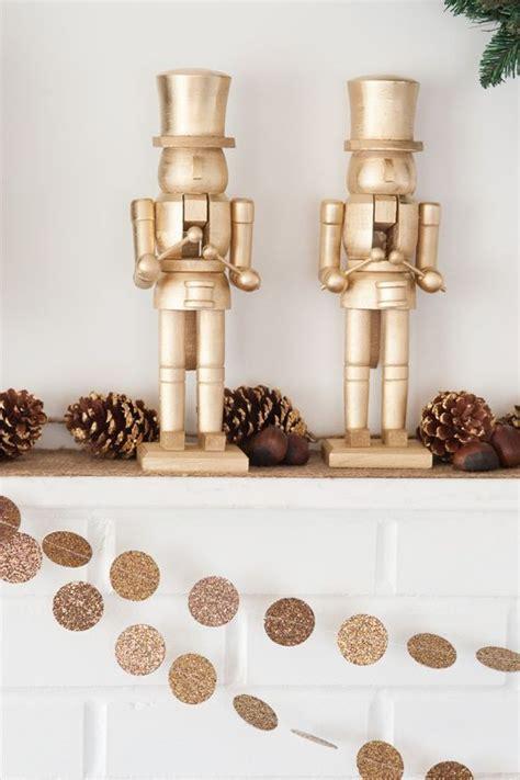 decoracion navide a de interiores decoraci 243 n navide 241 a en color oro dorado decoracion de