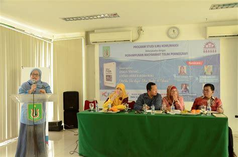 film layar lebar di indonesia bedah buku ketika film layar lebar hadir di televisi