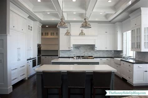 gray shaker kitchen cabinets with engineered white quartz sunny side up kitchens benjamin moore chelsea gray