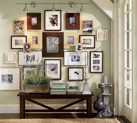 17 Family Photo Wall Ideas You Can Try to Apply in Your