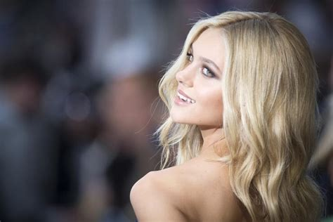 actress in age of extinction who is nicola peltz 5 fast facts about the transformers