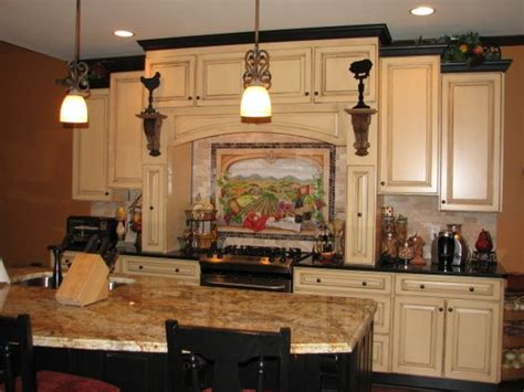Tuscan Kitchen Decorating Ideas Tuscan Kitchens Black Crown Moldings And Cabinets On